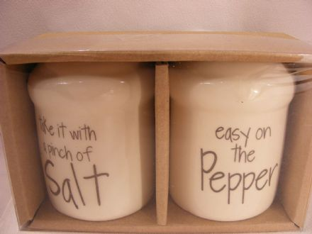 SET OF BNIB CERAMIC SALT & PEPPER POTS - GREAT GIFT